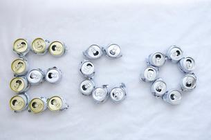 空き缶でエコ文字の写真素材 [FYI03369304]