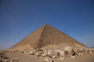 赤のピラミッドの写真素材 [FYI03370001]