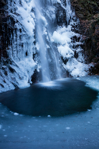 氷結した払沢の滝の写真素材 [FYI03370106]