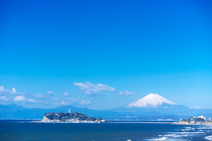 稲村ヶ崎の海岸の写真素材 [FYI03370236]