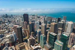 上空よりのサンフランシスコ(アメリカ)の街の風景の写真素材 [FYI03372191]
