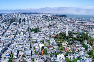 上空よりのサンフランシスコ(アメリカ)の街の風景の写真素材 [FYI03372214]
