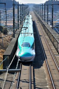 東北新幹線 はやぶさの写真素材 [FYI03372713]