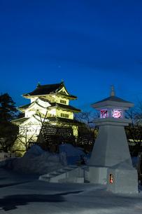 弘前城雪燈篭まつりの写真素材 [FYI03374150]