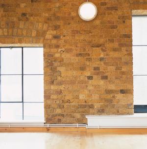 壁と窓の写真素材 [FYI03375057]