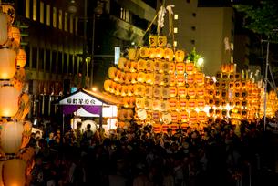 秋田竿燈祭りの写真素材 [FYI03375550]