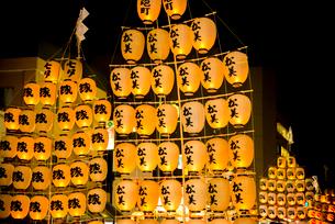 秋田竿燈祭りの写真素材 [FYI03375560]