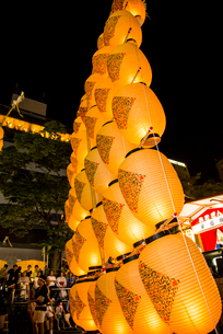 秋田竿燈祭りの写真素材 [FYI03375577]