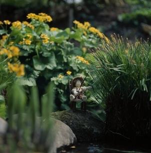 花と丘の妖精人形 フォトイラスト 美瑛 北海道の写真素材 [FYI03376130]