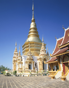 ワット・プラ・バート・ターパ寺  チェンマイ タイの写真素材 [FYI03376229]