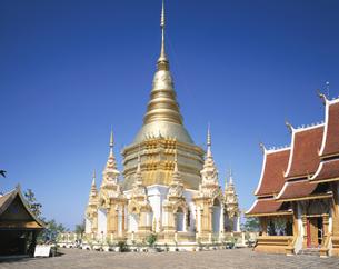 ワット・プラ・バート・ターパ寺 チェンマイ タイの写真素材 [FYI03376234]