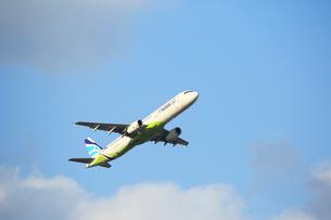ジェット機 AIR BUSANの写真素材 [FYI03376356]