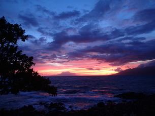 ワイレア・ビーチの夕焼けの写真素材 [FYI03376481]