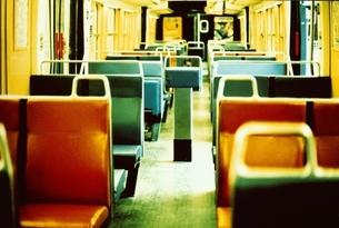 電車内の座席の写真素材 [FYI03376535]
