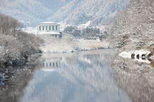 高津川の霧氷の写真素材 [FYI03376583]