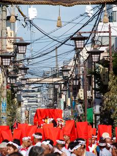 天神西町を練り歩く催太鼓(もよおしだいこ)の写真素材 [FYI03376731]