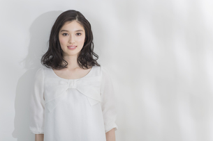 日本人女性のビューティーイメージの写真素材 [FYI03376824]