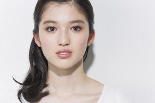 日本人女性のビューティーイメージの写真素材 [FYI03376825]