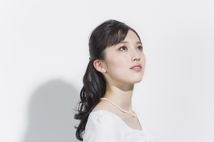 日本人女性のビューティーイメージの写真素材 [FYI03376850]