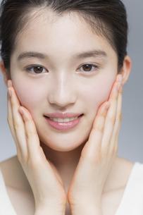 日本人女性のビューティーイメージの写真素材 [FYI03376869]