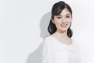 日本人女性のビューティーイメージの写真素材 [FYI03376870]