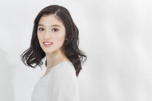 日本人女性のビューティーイメージの写真素材 [FYI03376879]