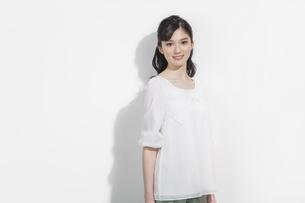 日本人女性のビューティーイメージの写真素材 [FYI03376884]