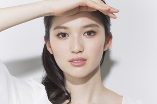 日本人女性のビューティーイメージの写真素材 [FYI03376898]