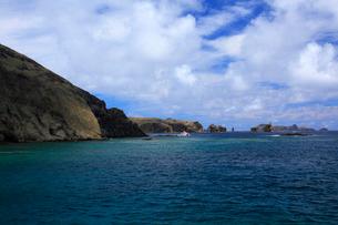 聟島 針の岩 観光船 海の写真素材 [FYI03377172]
