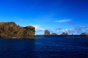 聟島 針の岩 入り江の写真素材 [FYI03377198]