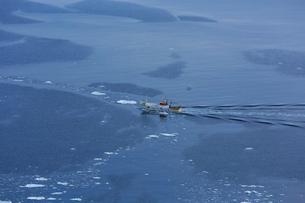 冬の海と漁船,の写真素材 [FYI03377290]