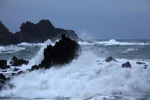 能登金剛と冬の日本海の写真素材 [FYI03377390]