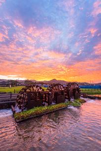朝倉の三連水車2の写真素材 [FYI03377622]