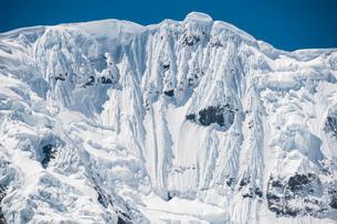 ワスカラン国立公園のワンツァン峰の氷壁の写真素材 [FYI03377759]