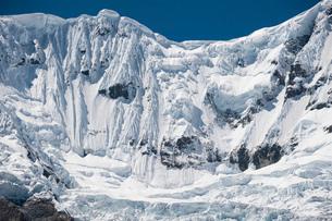 ワスカラン国立公園のワンツァン峰の氷壁の写真素材 [FYI03377772]