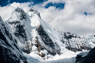 ワイワッシュ山群のヒリシャンカ峰の写真素材 [FYI03377785]