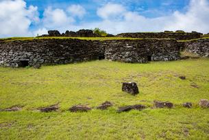 オロンゴ儀式村の住居跡の写真素材 [FYI03377847]