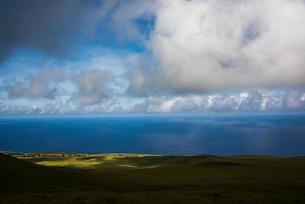イースター島の最高峰テレバカ山の展望の写真素材 [FYI03377871]