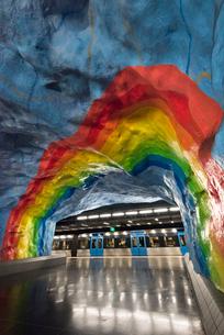 スウェーデン地下鉄スターディオン駅のアートの写真素材 [FYI03378036]