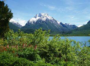 ボネツテ山とマスカルディ湖の写真素材 [FYI03380807]