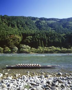 最上川うなぎどうを乗せた舟の写真素材 [FYI03380993]