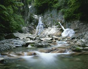 寂地峡 犬戻の滝の写真素材 [FYI03381036]