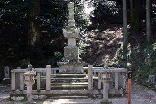 常高寺 お初の墓所の写真素材 [FYI03382147]