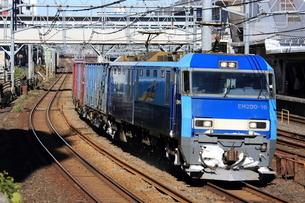 JR線湘南新宿ラインEH200-16牽引貨物列車 東十条付近の写真素材 [FYI03382636]