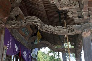 秩父三十四ヵ所 第三番常泉寺の観音堂のかご彫の写真素材 [FYI03382849]