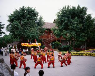 中国民俗文化村 少数民族踊りの写真素材 [FYI03383283]