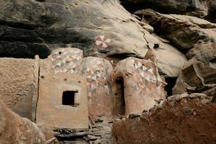 ドゴン族の穀物貯蔵庫の写真素材 [FYI03383414]