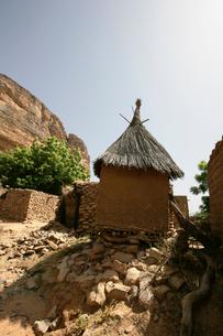 ドゴン族の穀物貯蔵庫の写真素材 [FYI03383422]