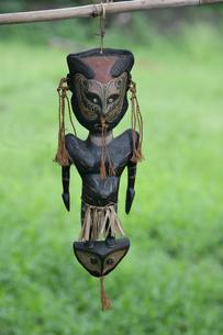 セピック川 タンブナム村の手作り民芸品の写真素材 [FYI03383425]