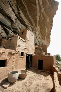 ドゴン族の穀物貯蔵庫の写真素材 [FYI03383440]